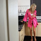 Natalia Forrest Perfect Blonde Kitchen Dance Voyeur HD Video