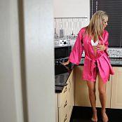 Natalia Forrest Perfect Blonde Kitchen Dance Voyeur HD Video