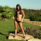 Sexy Girl In Black Bikini Outdoor Pissing HD Video
