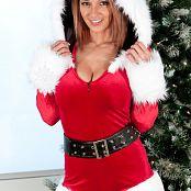 Nikki Sims Merry Christmas 2014 Photo Set