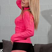 Madden My Sexy Pink Outfit Picture Set
