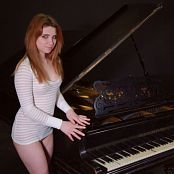 Fame Girls Foxy Gorgeous Beauty By The Piano 037 HD Video