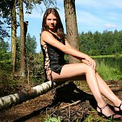 Fame Girls Sandra Beautiful In The Forrest Picture Set 010