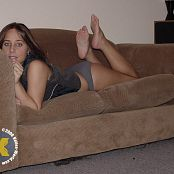 Katies World Barefoot Gray Picture Set 024
