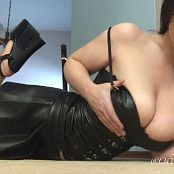 Victoria Raye Latex & Heels Video