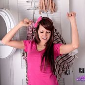 Andi Land Laundry Day Picture Set
