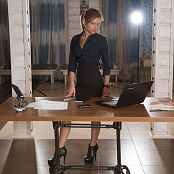 Fame Girls Julia Office Girl Picture Set