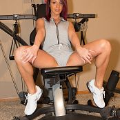 Nikki Sims Workout Picture Set