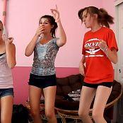 Amateur Sluts Dancing To California Gurls Video