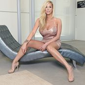 Gisele Love Sparkly Picture Set & HD Video