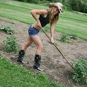 Madden Gardening Picture Set