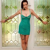 Amanda Verona At The Door Picture Set & HD Video