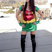 Andi Land Rooftop Robin Picture Set & HD Video