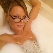 Madden Tub With Glasses Selfies Picture Set