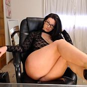 Victoria Raye Edging By A Siren JOI HD Video