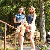 MarvelCharm Rebecca & Violet Best Friends Picture Set