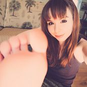 Ariel Rebel Feet Tease Picture Set