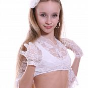 Silver Jewels Alice White Lace Picture Set 4