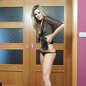 TeenMarvel Lili Sheer rok HD Video