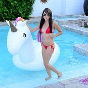 Andi Land Unicorn Float Picture Set
