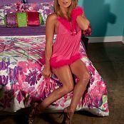 Madden Pink Handcuffs Picture Set