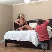 Madden Full Topless Slip tydens die skiet van HD Video
