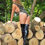 Nikki Sims Camo Wood Picture Set