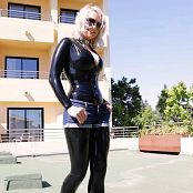 Lara Larsen Kinky Roof Girl HD Video
