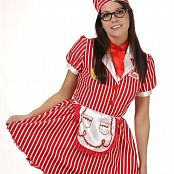 Andi Land Diner Waitress Picture Set 599