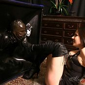 Goddess Alexandra Snow Hooded In The Cube HD Video