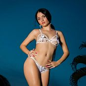 Clarina Ospina White Ribbons TM4B Picture Set 009