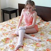 Silver Jewels Violette White Stockings Picture Set 2