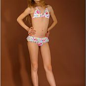 TeenModelingTV Hanna Colorful Kini Picture Set