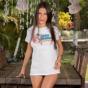 Britney Mazo White Tee TM4B Picture Set 003