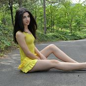 Silver Moon Teia Yellow Dress Picture Set 1