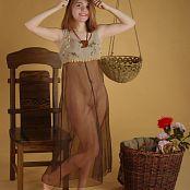 MarvelCharm Nicolette Basket Lady Picture Set