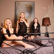 MarvelCharm Violet Sleepover Picture Set