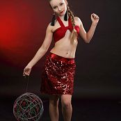 Silver Jewels Alice Red Skirt Picture Set 4