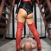 AstroDomina Latex KO Facesitting HD Video