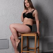 TaoZips Sarah Black Sporty Outfit Picture Set
