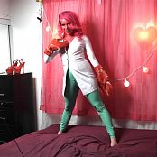LatexBarbie Halloween Zoidberg Striptease HD Video