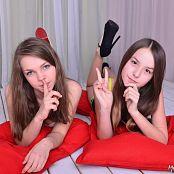 MarvelCharm Rebecca & Rikki Friends Picture Set