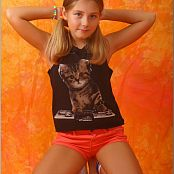 TeenModelingTV Alissa Cat Top Picture Set