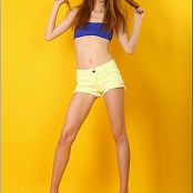 TeenModelingTV Marina Blue & Yellow Picture Set