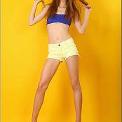 TeenModelingTV Marina Blue & Yellow Picture Set