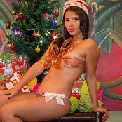 Poli Molina Christmas Outfit TCG Picture Set 009