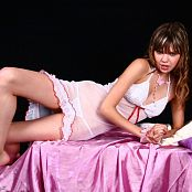 Young Gusel Glamour Skirt Shoot Picture Set