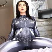 Crystal Knight Seduced By Spider Woman HD Video