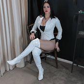 Goddess Kim Lustrous Smoking HD Video