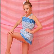 TeenModeling Alice Blue Polka Dots Picture Set